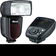 Nissin flashes