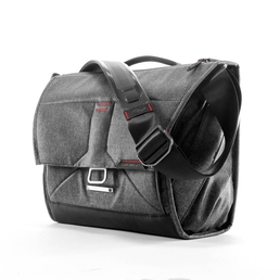 Peak Design Everyday Messenger Bag 13 V2 Charcoal