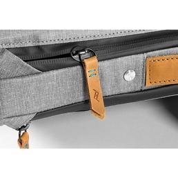 Peak Design Everyday Messenger Bag 15 V2 Ash